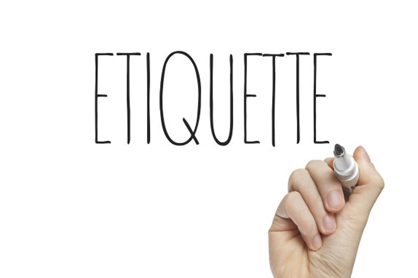 Etiquette tips for sending holiday business cards reheart Choice Image